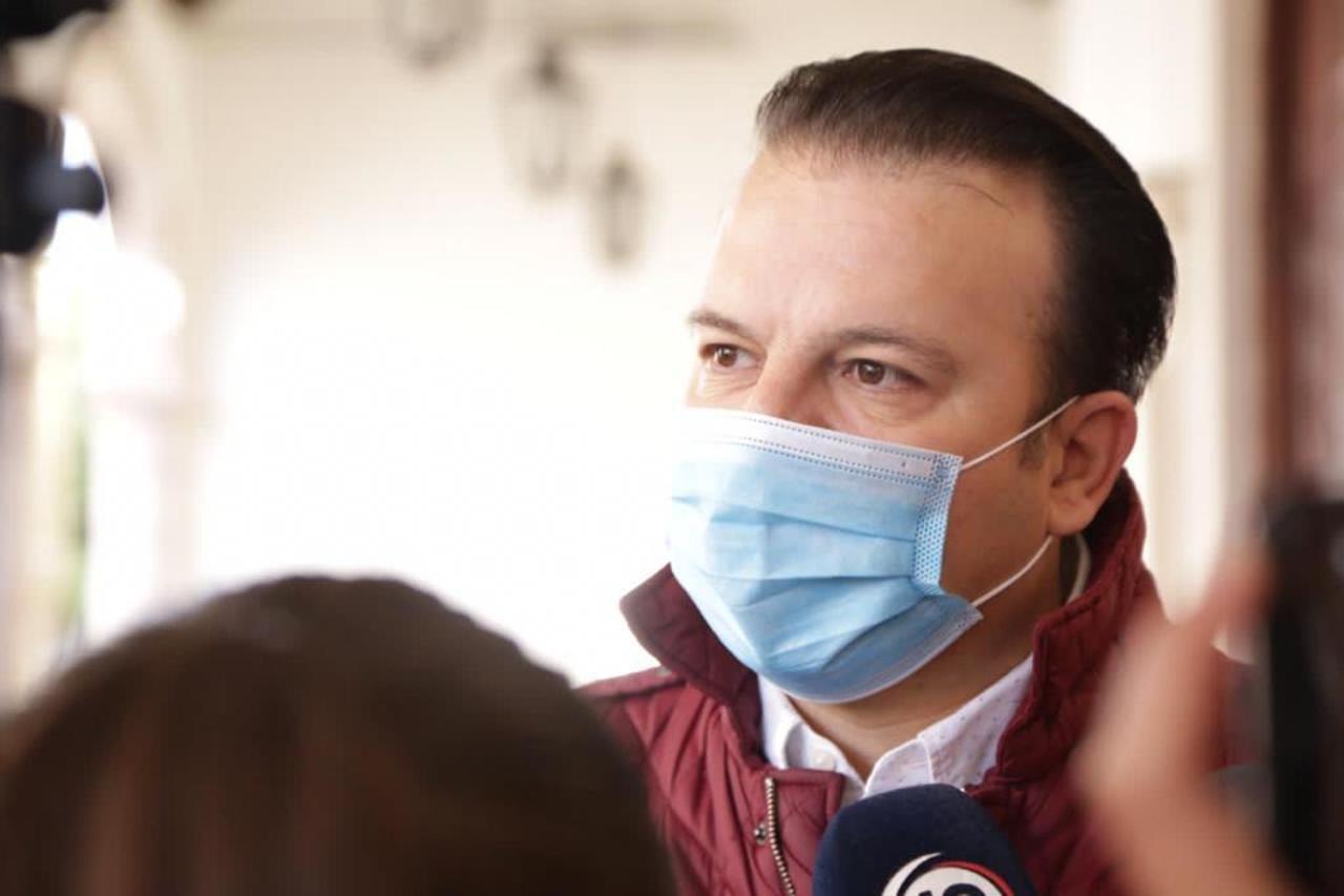 Van por vacuna a familia inmediata de personal médico