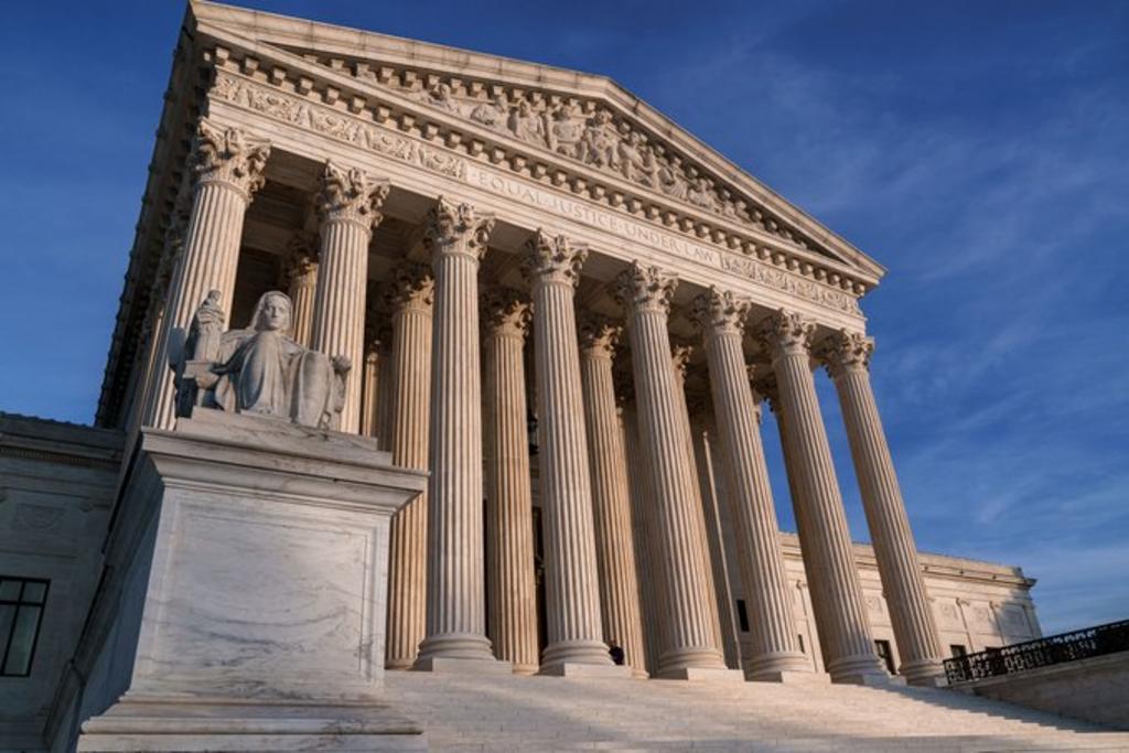 Reportan amenaza de bomba en la Corte Suprema de EUA