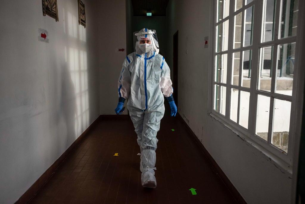 Pandemia no da tregua en Portugal; casi llega a los 15 mil contagios en un día