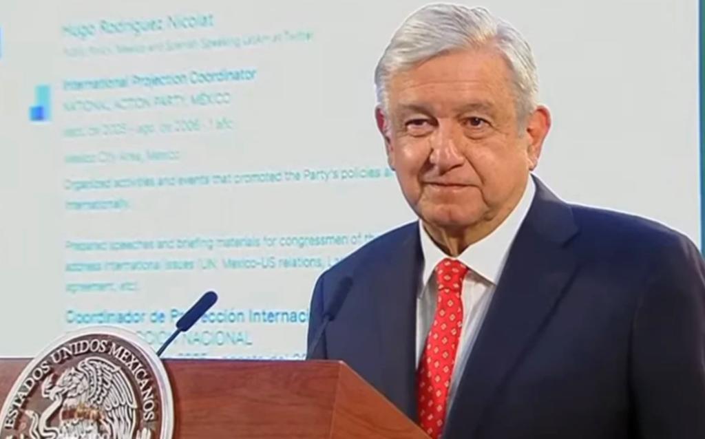 Twitter México responde a AMLO tras exhibir currículum de director