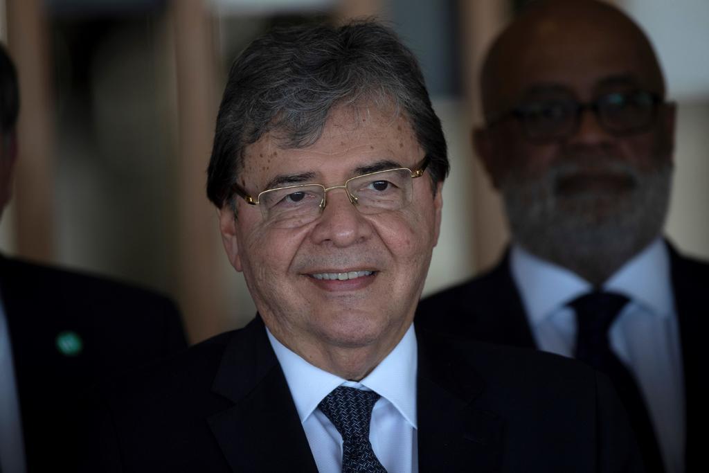 Ministro de Defensa de Colombia muere por COVID-19