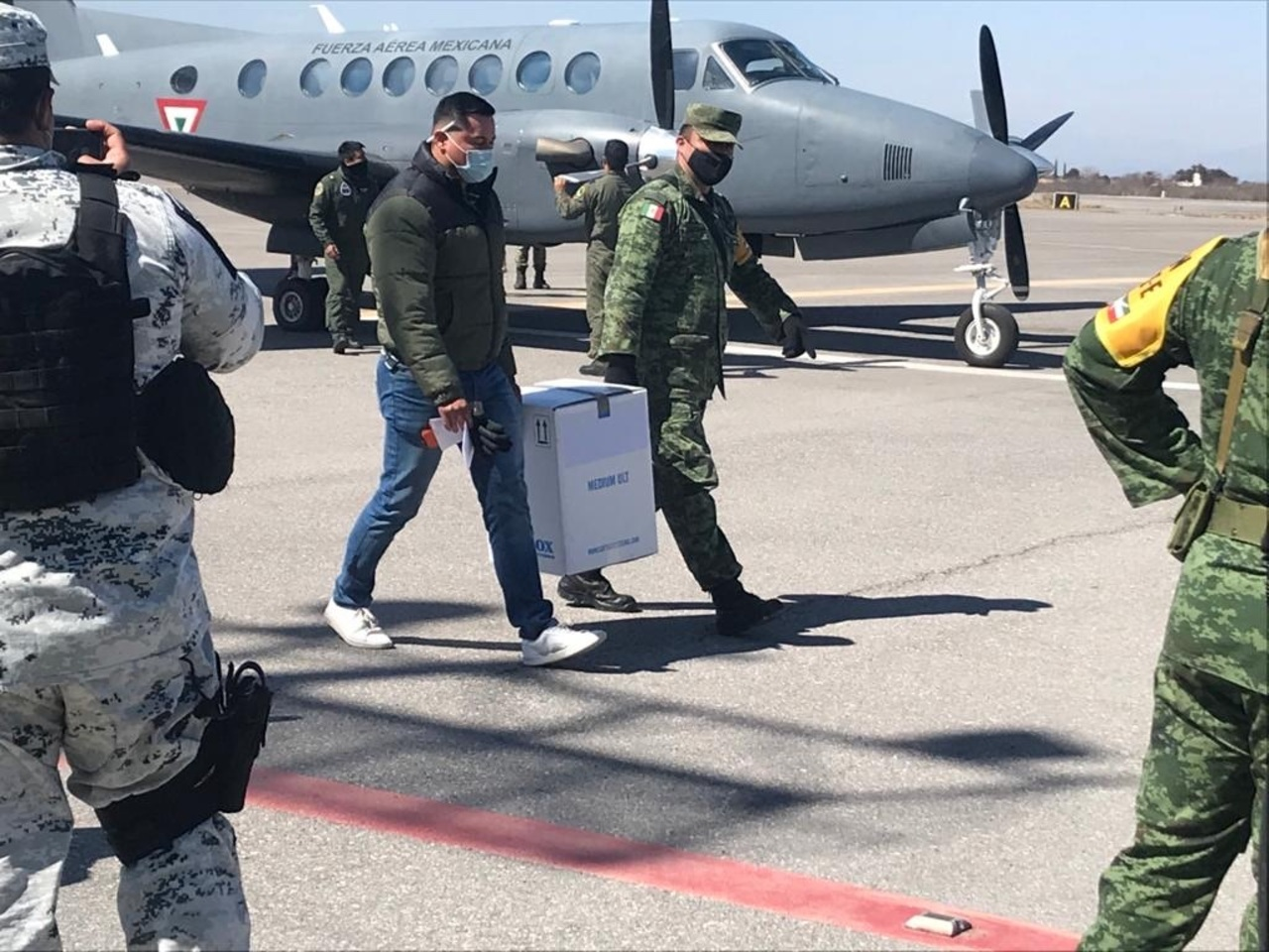 Llegan las vacunas para segunda dosis a personal médico de Durango