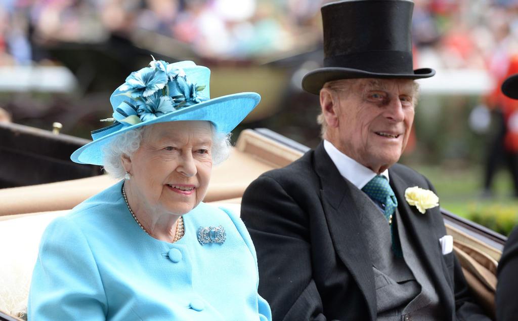 Príncipe Felipe de Gran Bretaña sigue hospitalizado