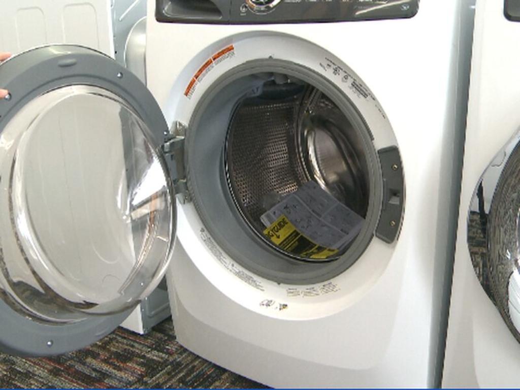 Niño pierde la vida por esconderse en una lavadora