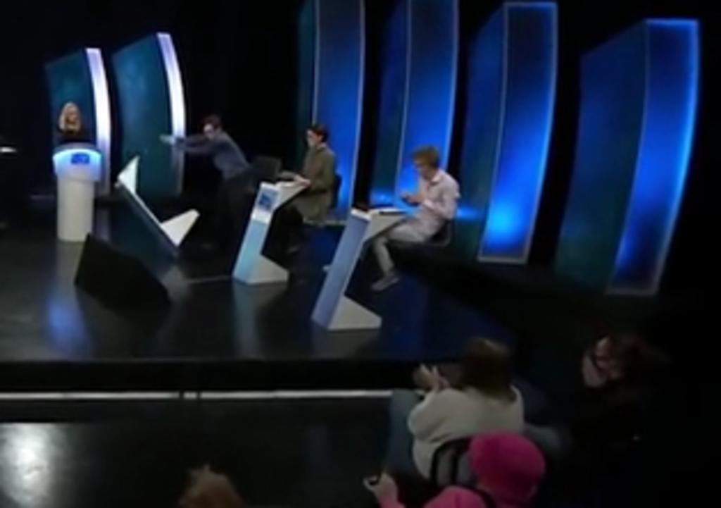 Concursante de un juego de televisión tiene una rabieta en vivo tras perder la final