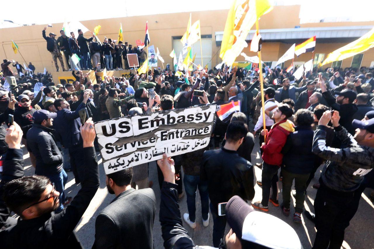 Impactan misiles cerca de embajada de EE.UU.