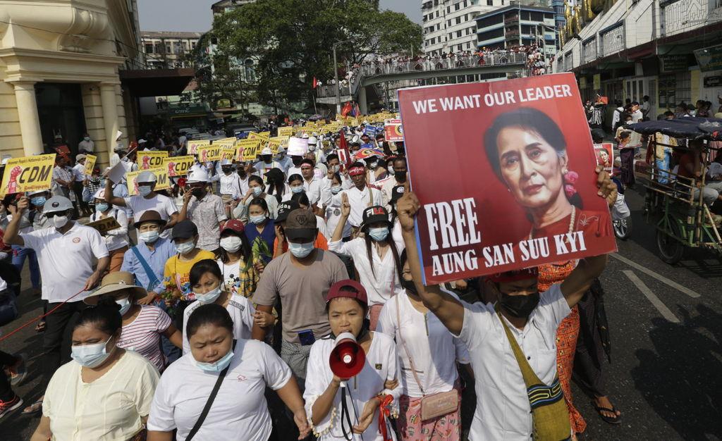 Birmania protesta contra el Ejército