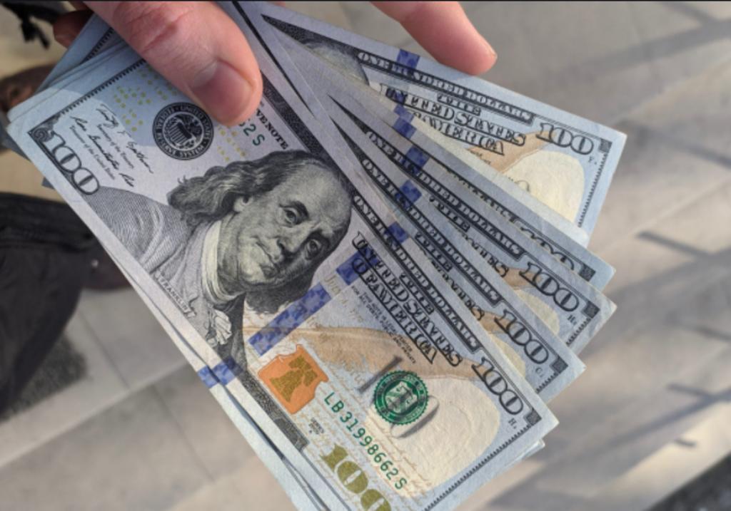 Dólar se vende en más de 21 pesos por segundo día consecutivo