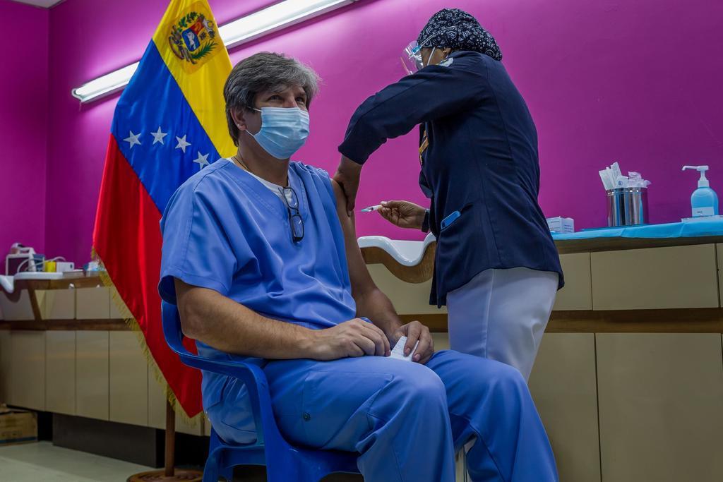 Espera Venezuela vacunar al 70 % de su población este año