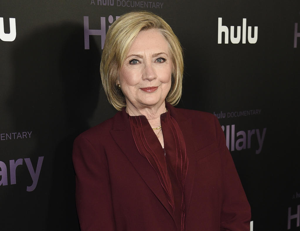 Hillary Clinton incursiona en la ficción de misterio con State of Terror