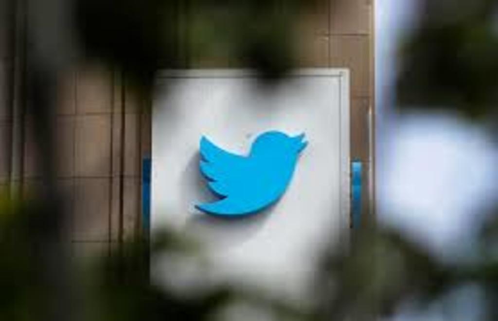 Marcará Twitter con etiquetas los mensajes engañosos sobre vacuna COVID