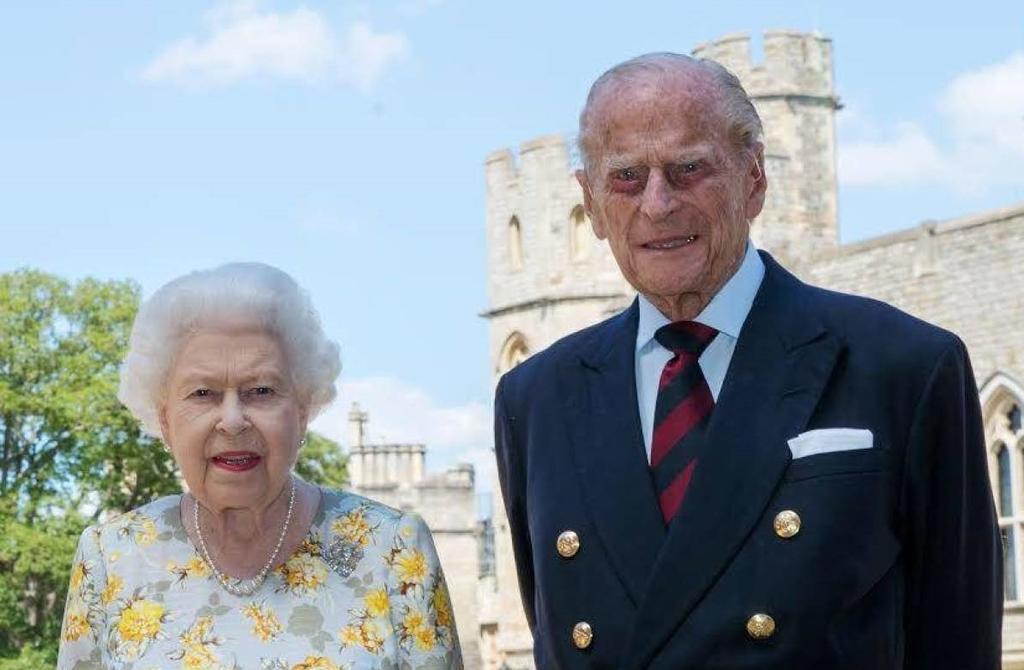 Operan con éxito al duque de Edimburgo por un problema cardíaco