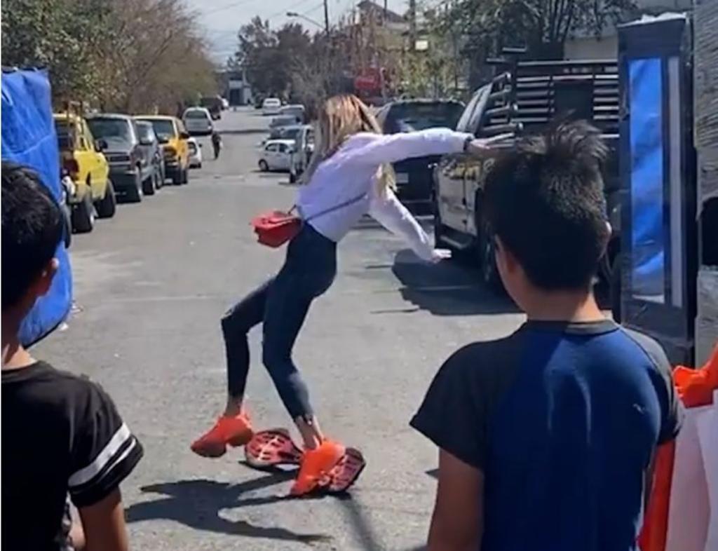 Mariana Rodríguez cae en campaña de Samuel García y es viral