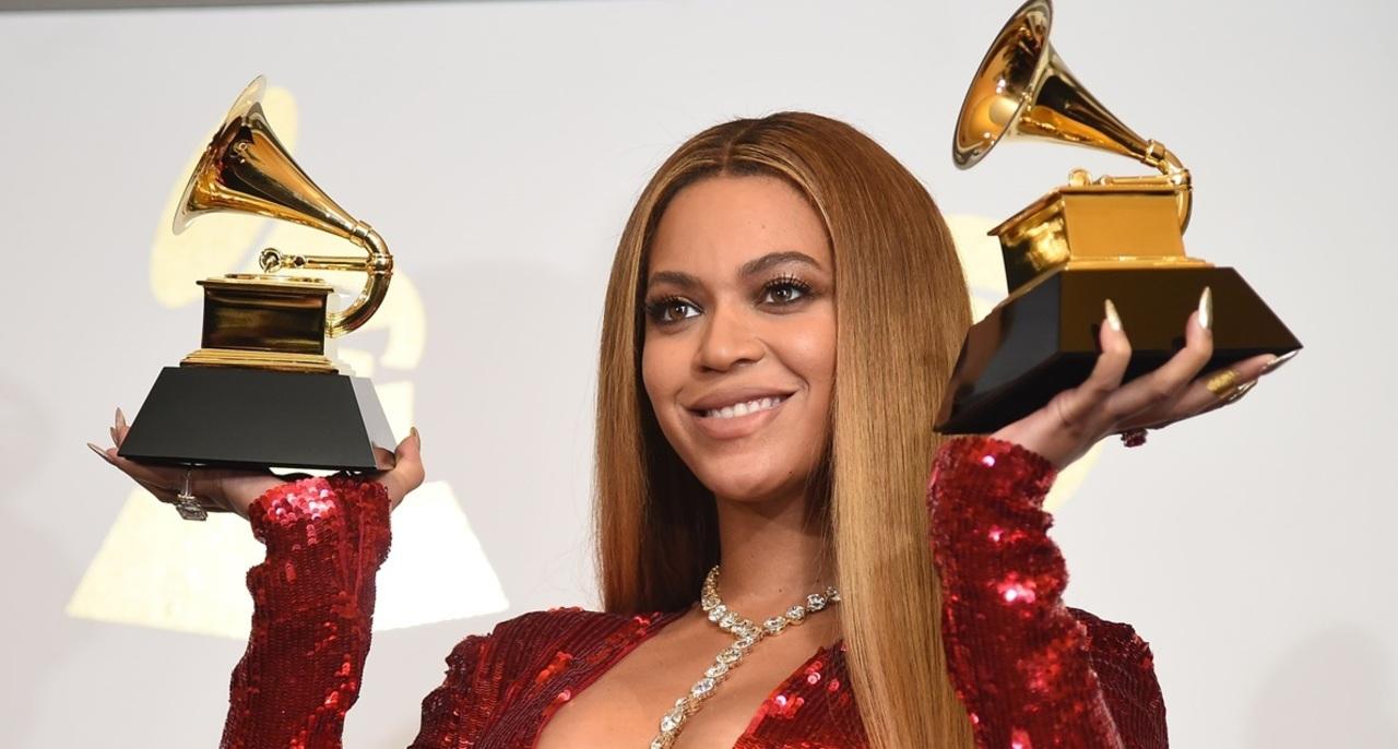 Taylor Swift y Beyoncé, en fila a historia en los Grammy