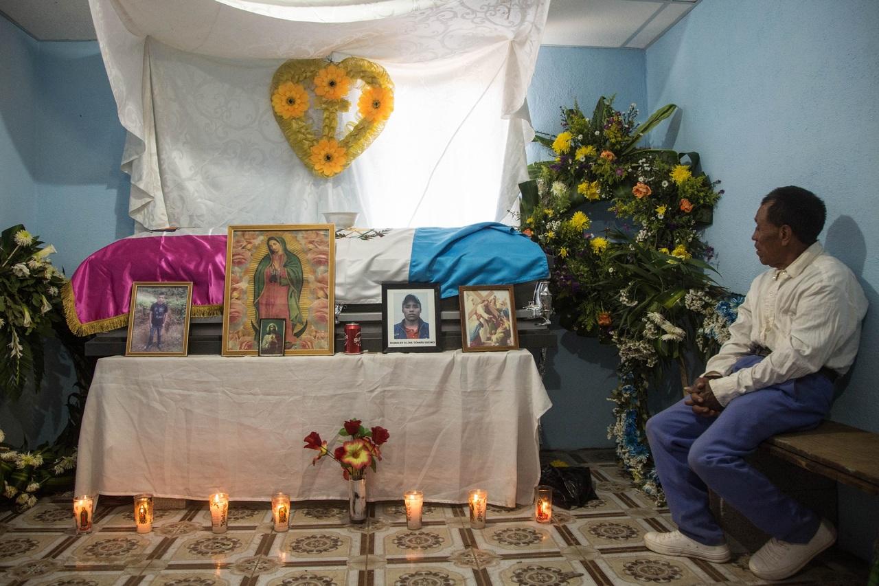 Guatemala inicia los funerales de migrantes asesinados en México