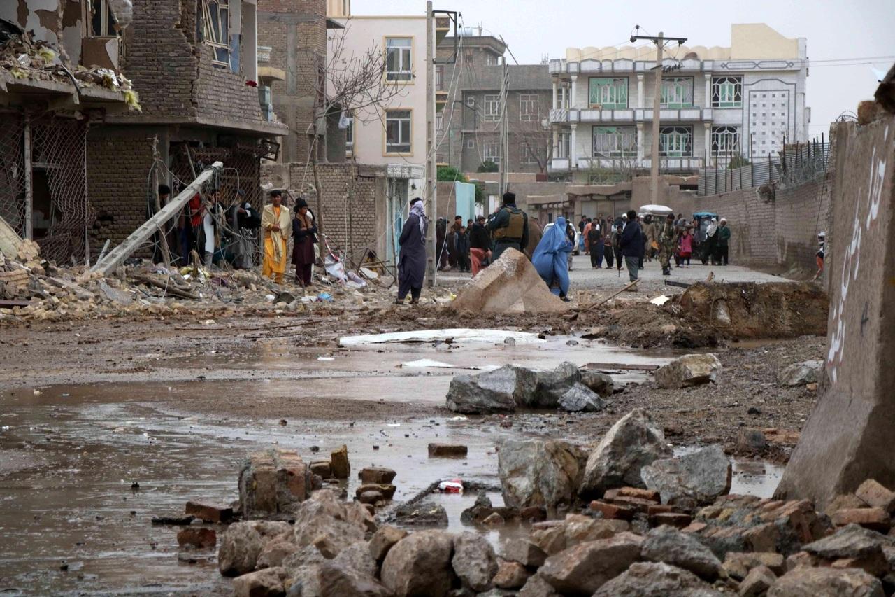 Coche bomba mata a 8 en Afganistán