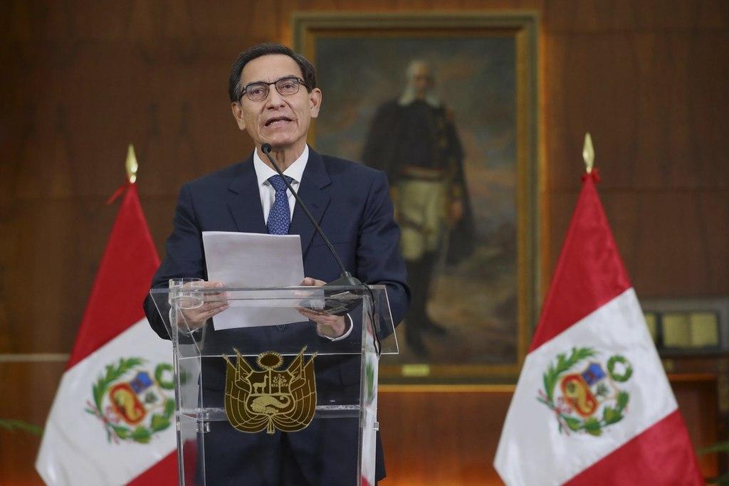 Vizcarra se dice víctima de persecusión política