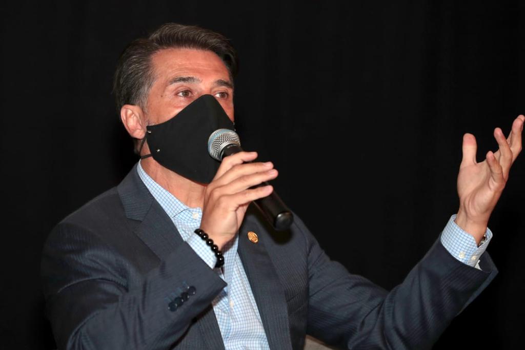 Sergio Mayer muestra su apoyo a la castración química a violadores
