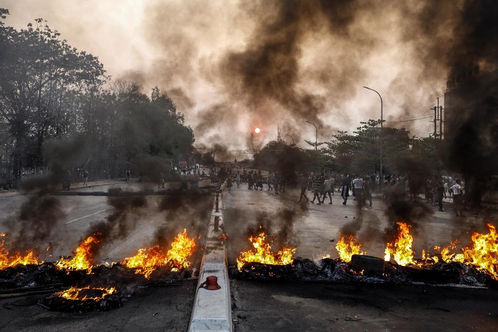 Junta militar declara ley marcial en Birmania