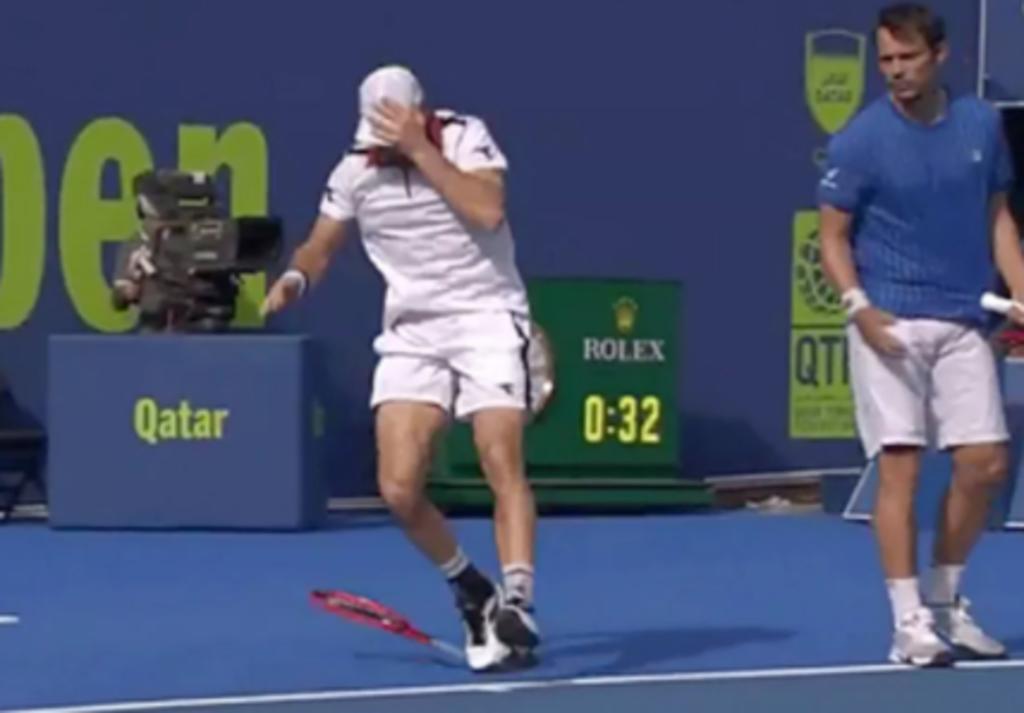 Tenista sufre ceguera temporal tras un accidente en pleno partido