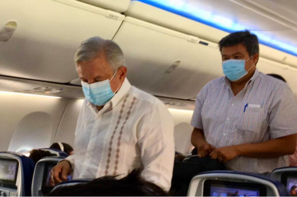 AMLO regresa en vuelo comercial a CDMX luego de su gira por Sinaloa, Nayarit y Jalisco