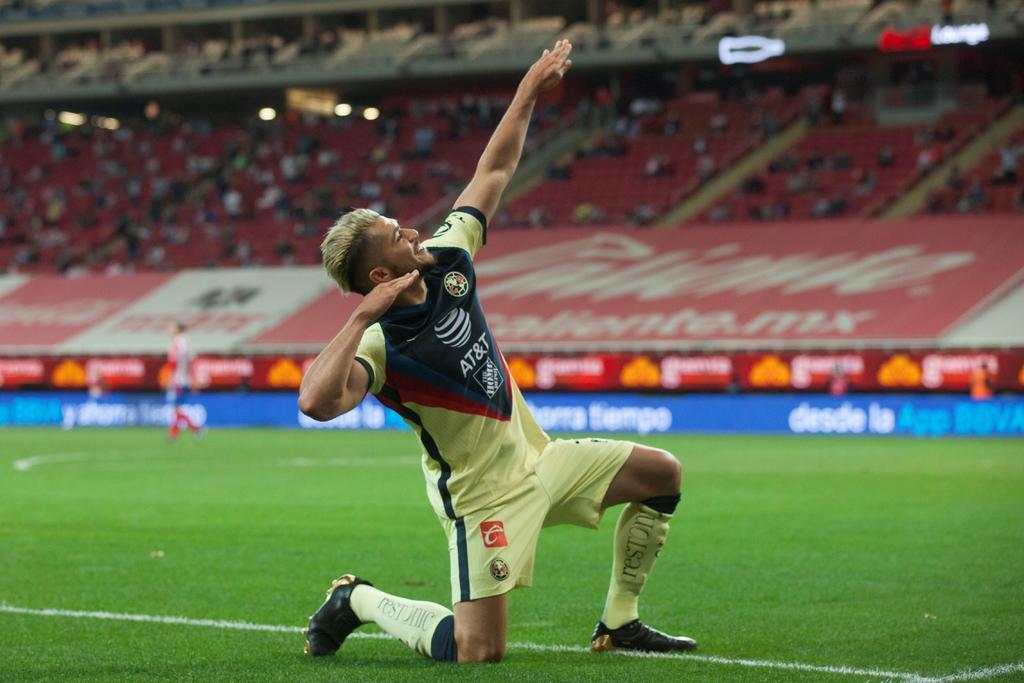 VIDEO: Henry Martín festeja gol a la Cuauhtémoc Blanco