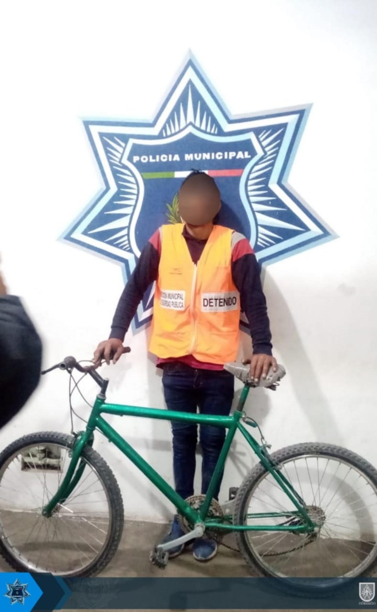 Se robó una bicicleta del interior de una vivienda; fue detenido