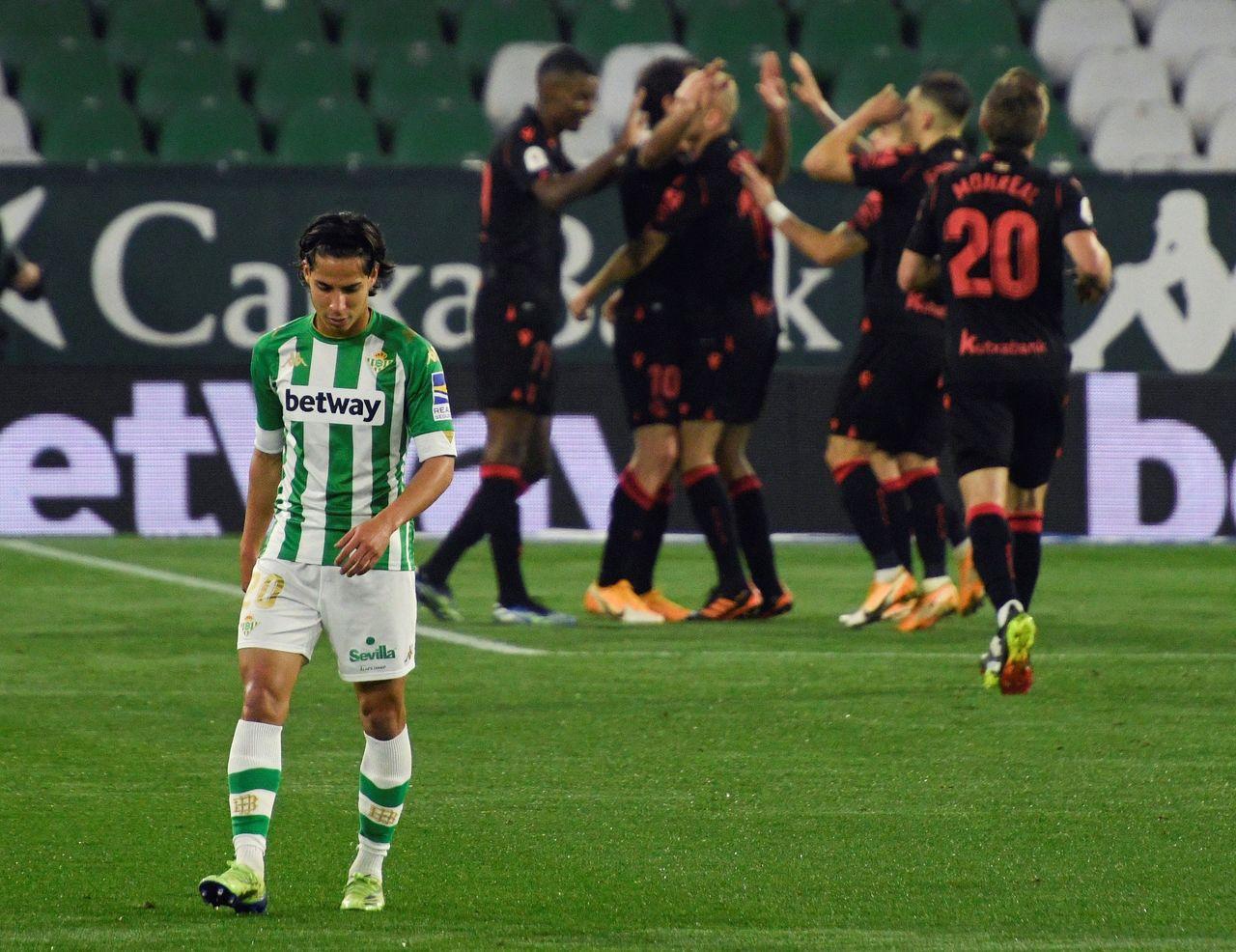 Real Betis, criticado por la ausencia de Lainez