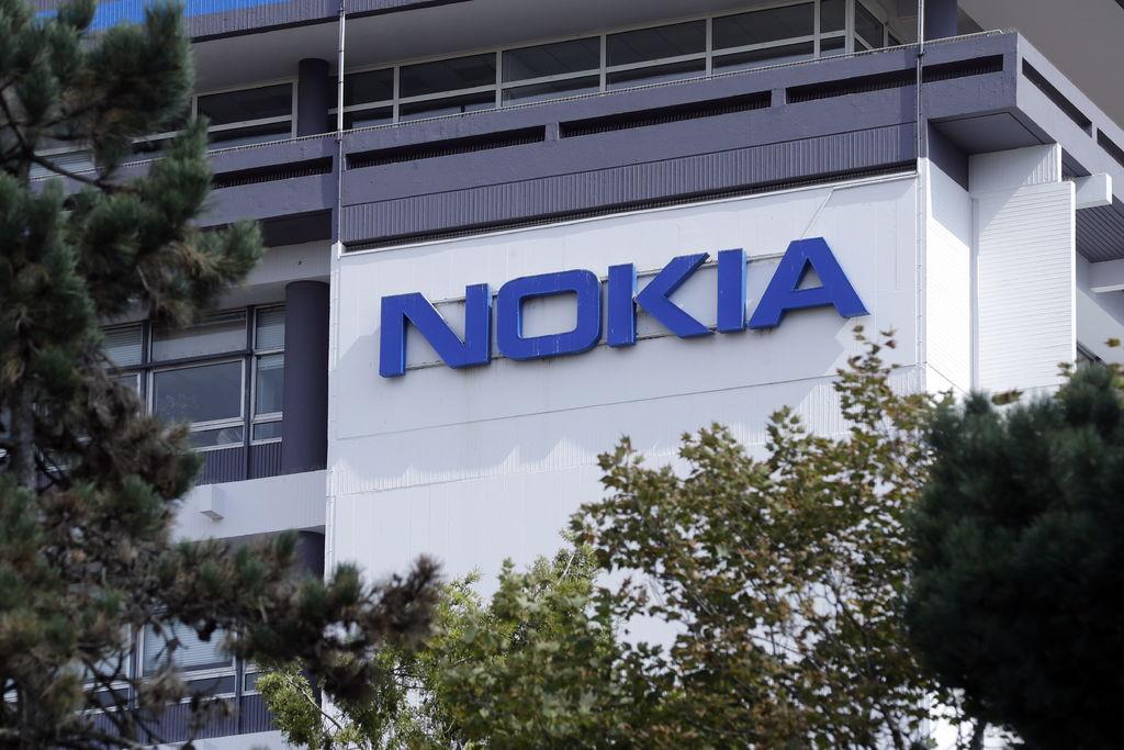 Eliminará Nokia 10 mil empleos