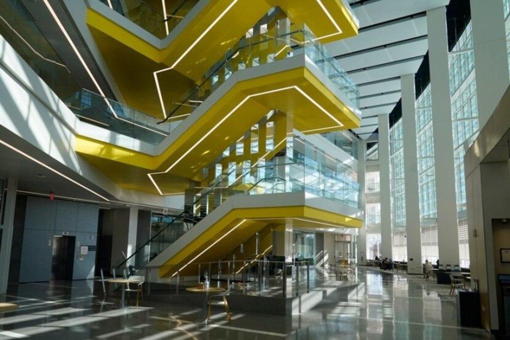 Inaugura Ford edificio de robótica en Michigan