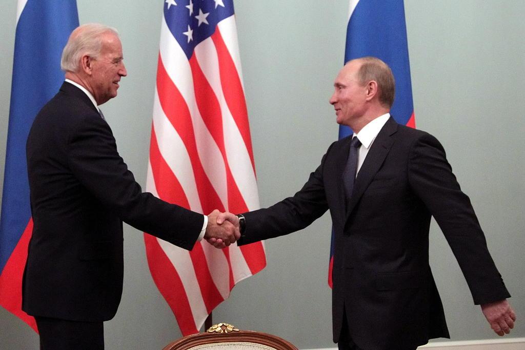 Biden llama 'asesino' a Putin; lo amenaza por interferir en las elecciones