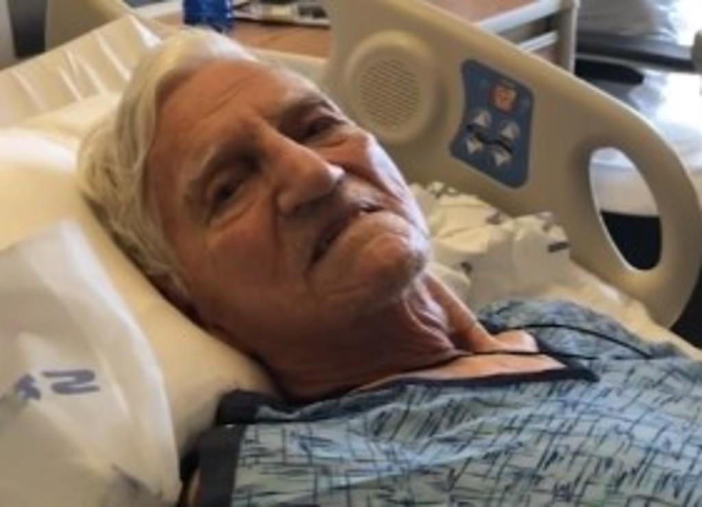Hombre de 91 años sufre sobredosis tras recibir, por error, dos vacunas antiCOVID