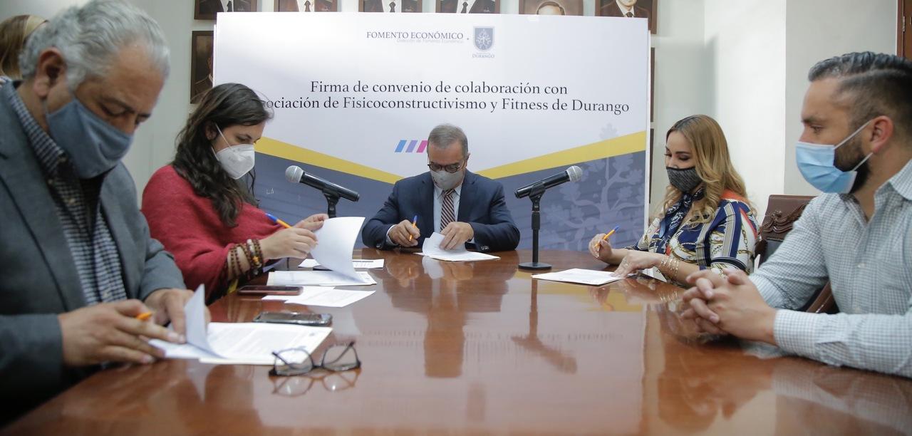 Firman convenio de colaboración con Asociación de Gimnasios