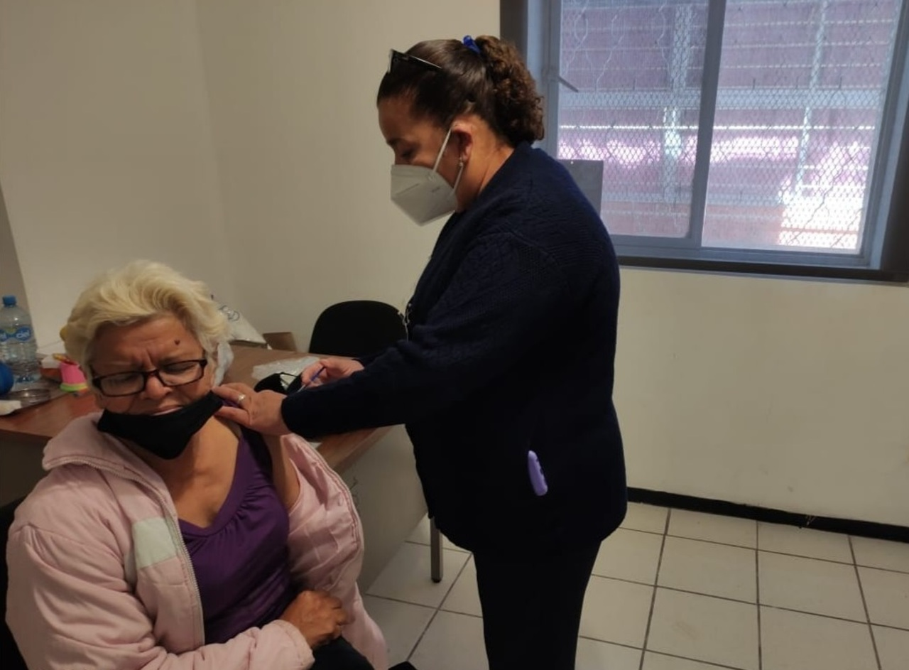 Llega vacuna para 11 municipios más