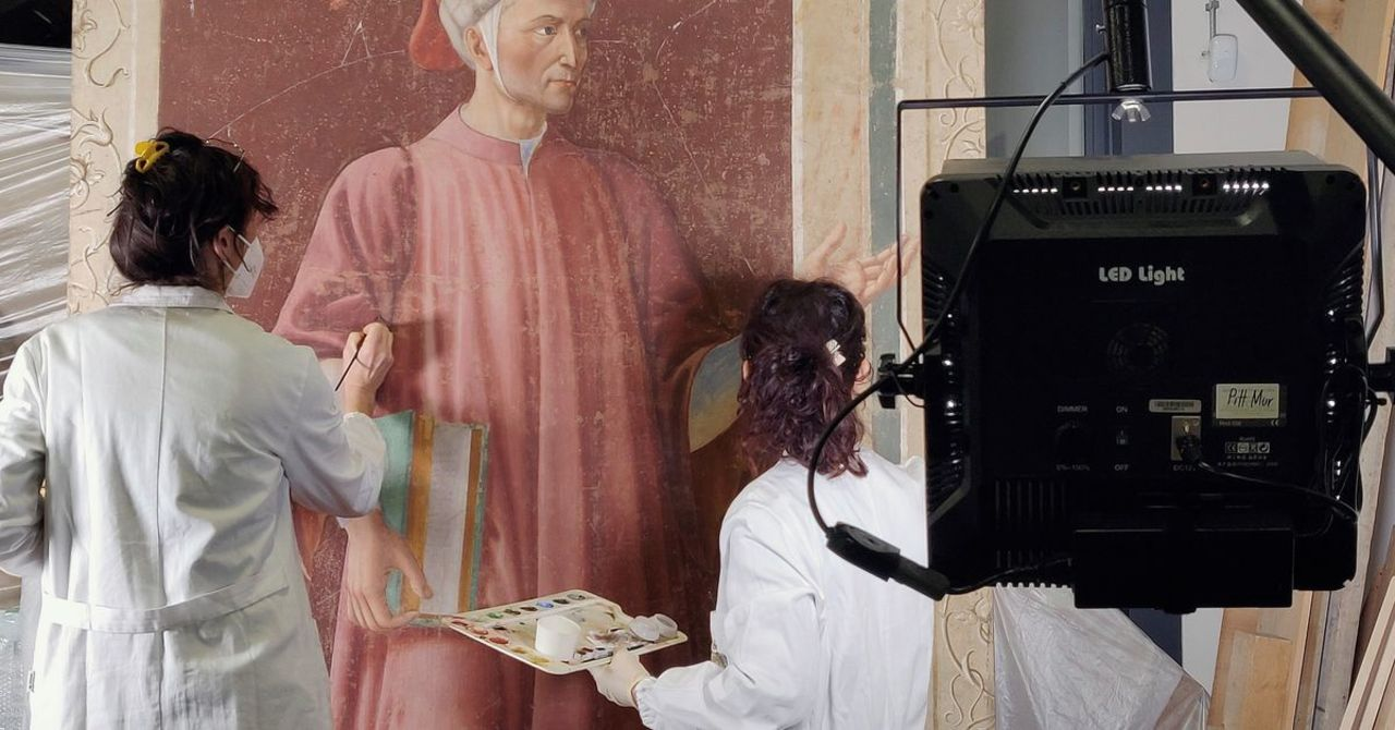 Restauran retrato de Dante Alighieri