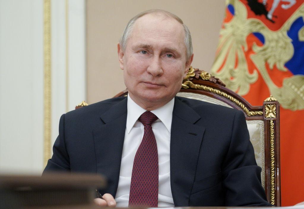 Putin invita a Biden a dialogar tras calificativos