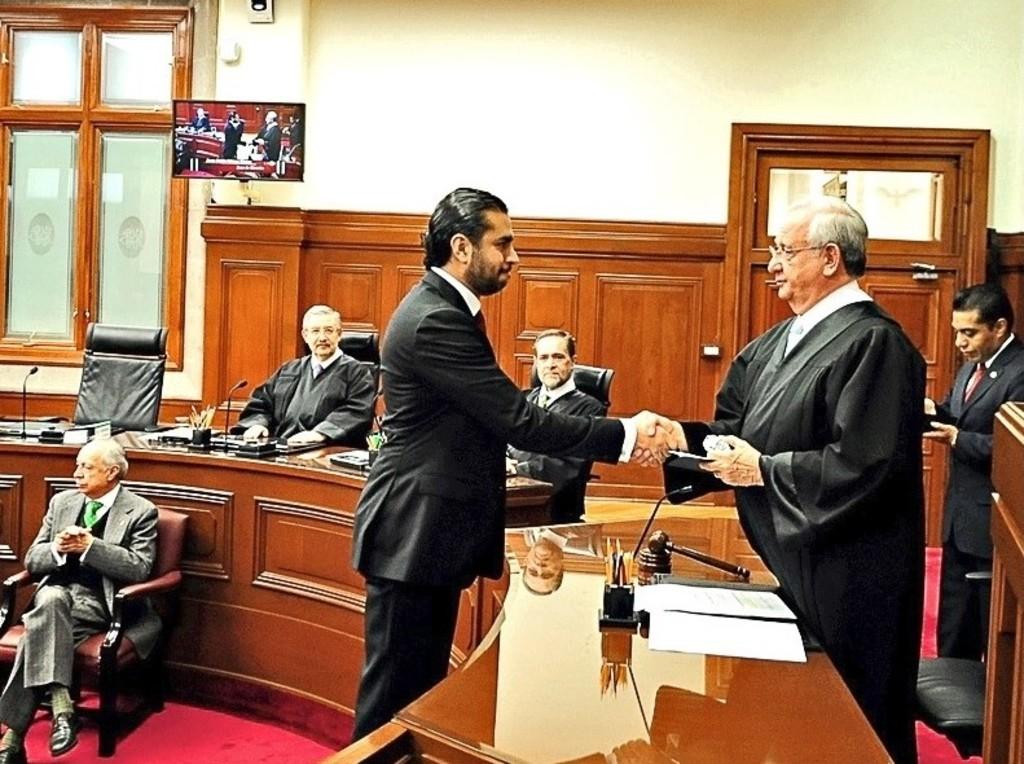 Indaga presidencia a juez que frenó ley