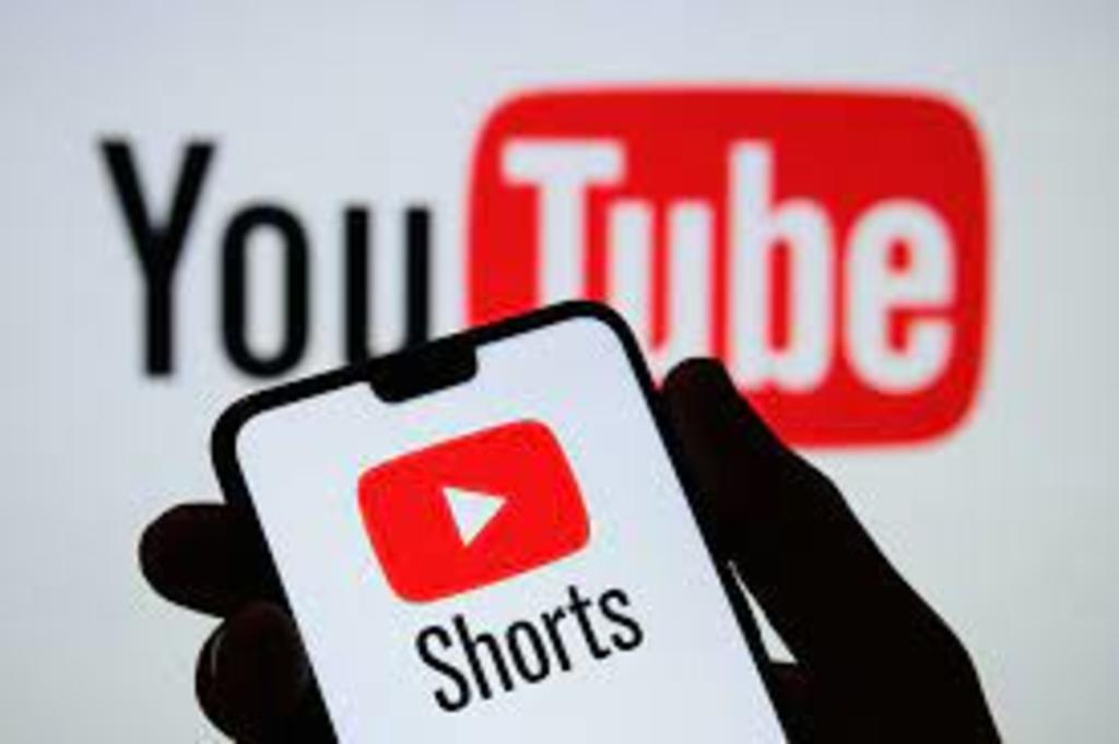 Lanza YouTube servicio de videos cortos para competir con TikTok