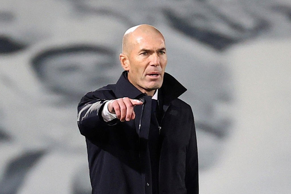 Puedes firmar 10 años y mañana estar fuera: Zidane