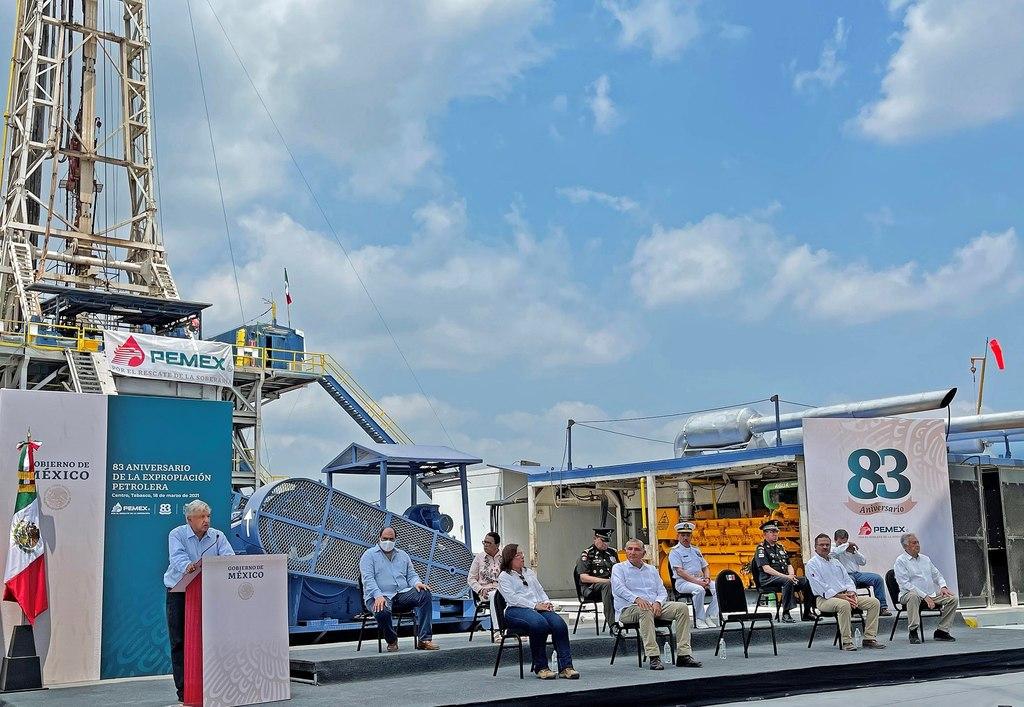 Se propone Pemex producir 2 millones de barriles diarios