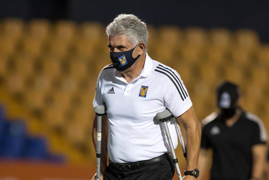 En espera la renovación de 'Tuca' Ferretti con Tigres; será operado