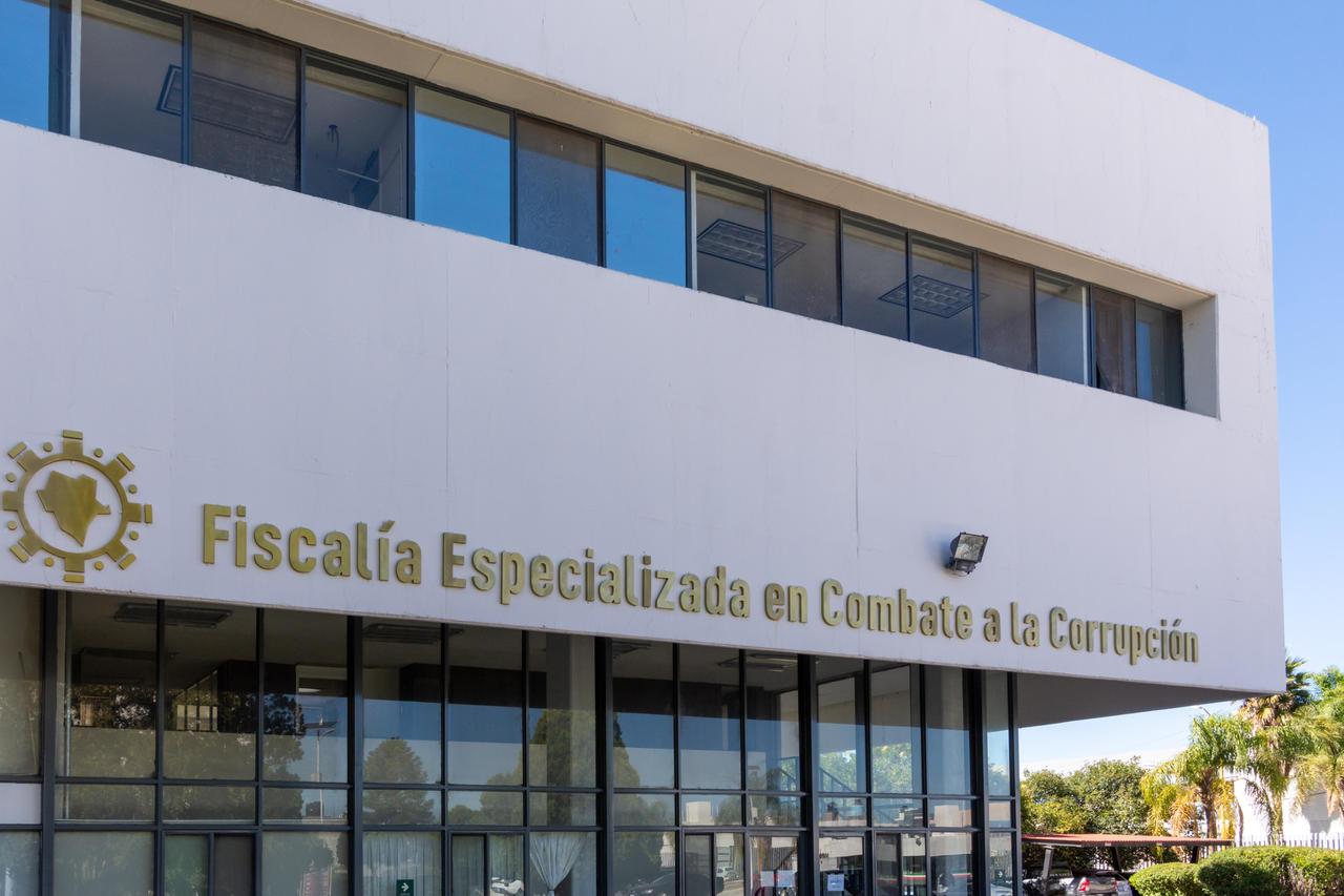 Presidente del Tribunal demanda a Fiscalía anticorrupción por 10 mdp