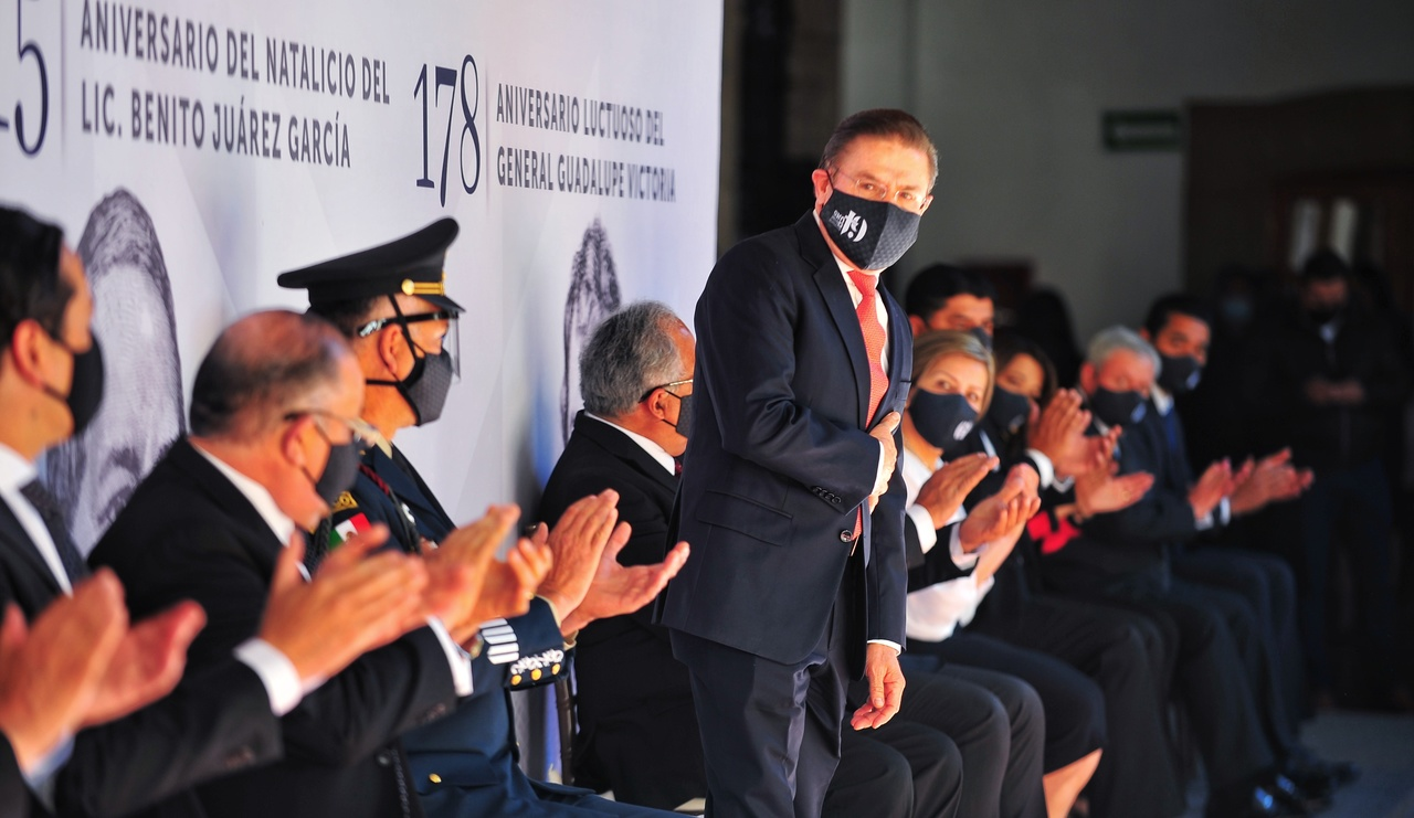 Honran Gobernador y UJED, a Juárez y a Victoria