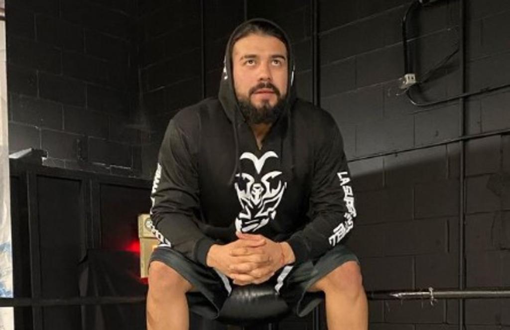 WWE libera contrato al luchador lagunero Andrade