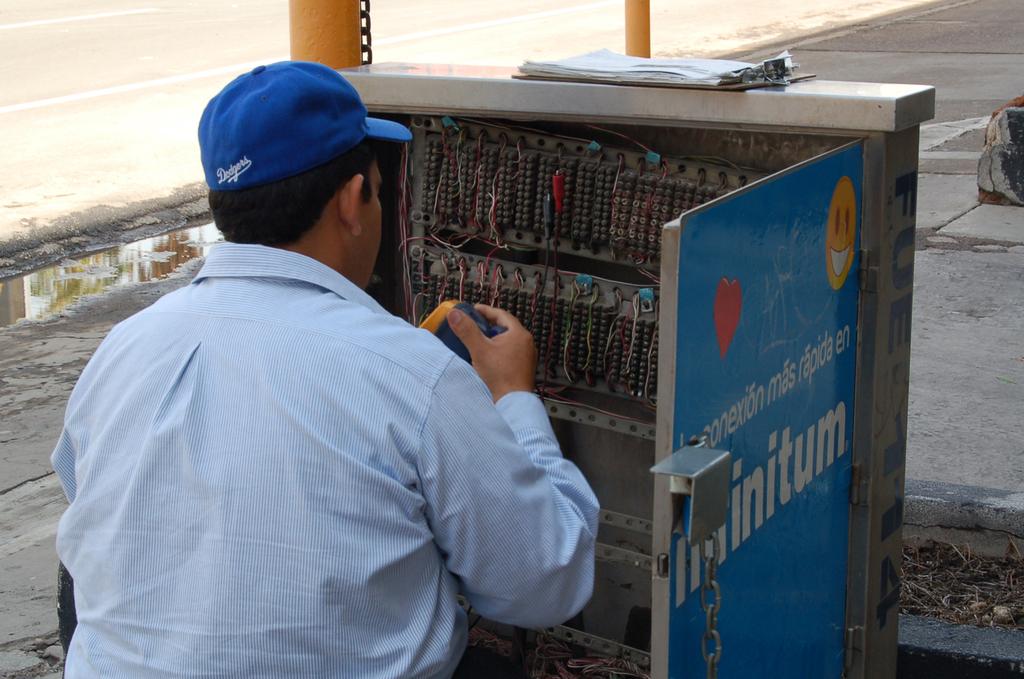 Fijaría Telmex tarifas en grandes ciudades