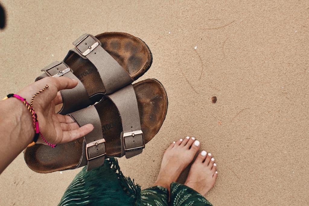 Consejos para hacer lucir bien tus pies con sandalias