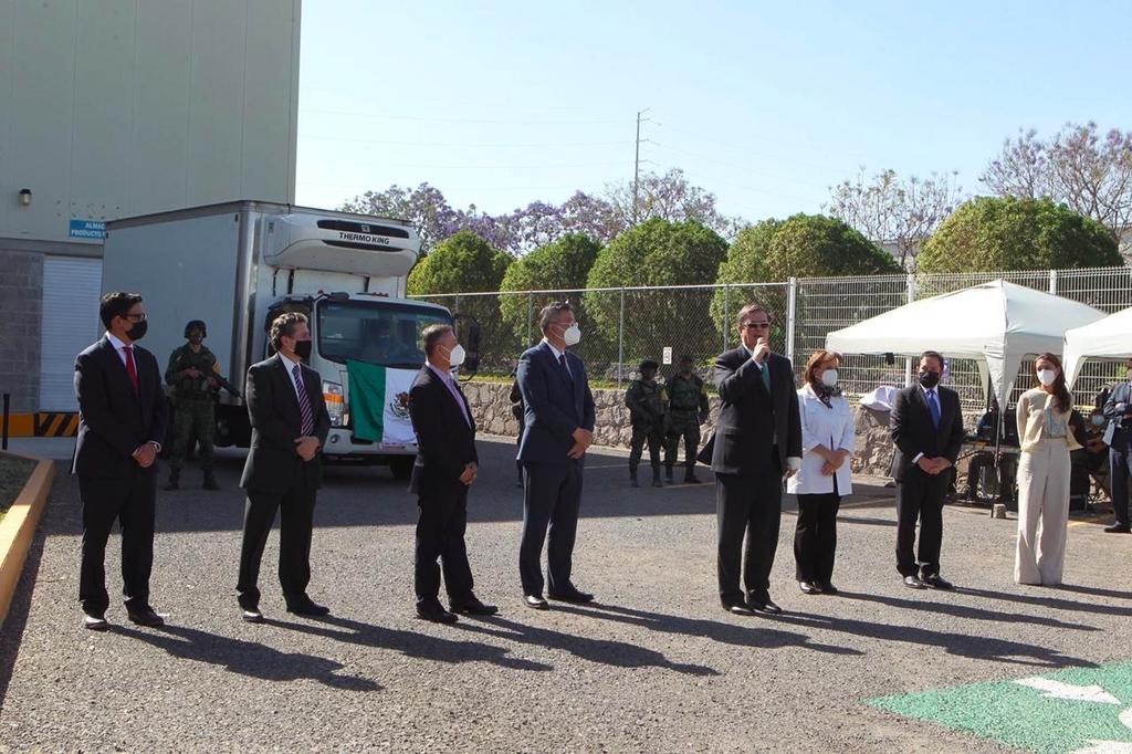 Autoriza Cofepris uso de vacunas de CanSino envasadas en Querétaro
