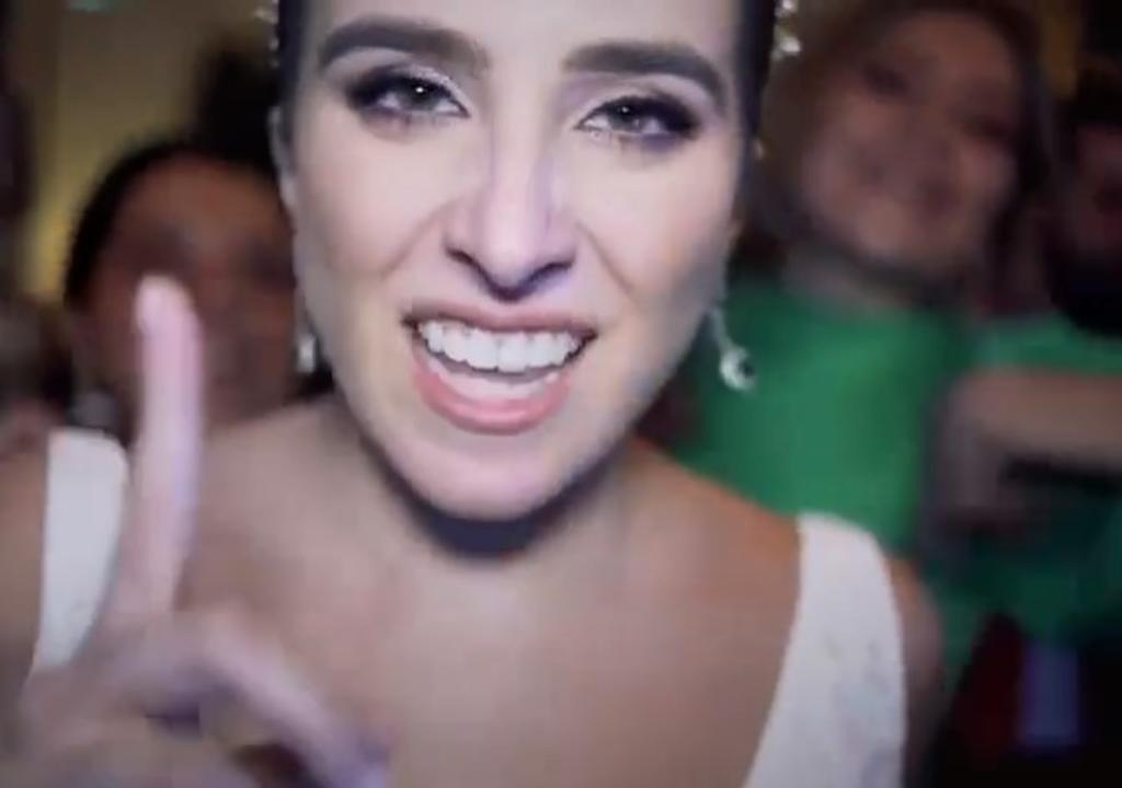 Novia cautiva creando 'video musical' en su boda al ritmo de 'Perdóname'