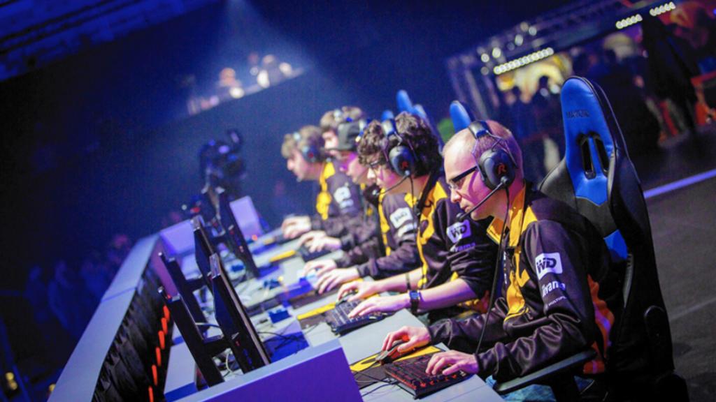 Habrá torneo de eSports para famosos e influencers