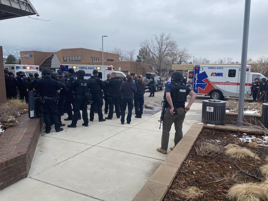 Tiroteo en Boulder deja al menos seis muertos, incluyendo un policía